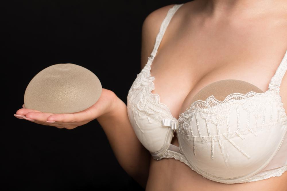 meme estetiği ile göğüs büyütme ve dolgunlaştırma